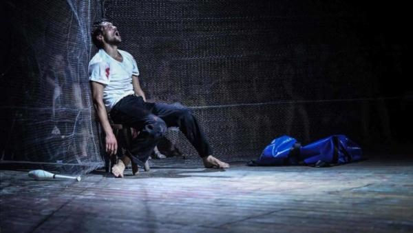 / critique / Sébastien Wojdan, jongleur marathonien