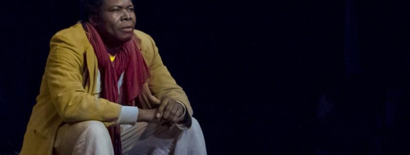 Etienne Minoungou dans Cahier d'un retour au pays natal d'Aimé Césaire