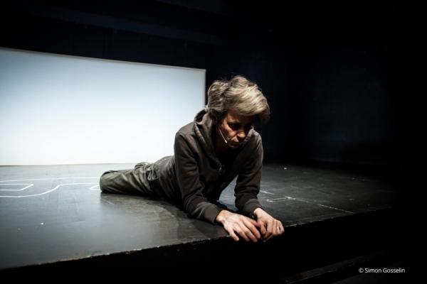 / critique / Juliette Plumecocq-Mech, actrice en suspension