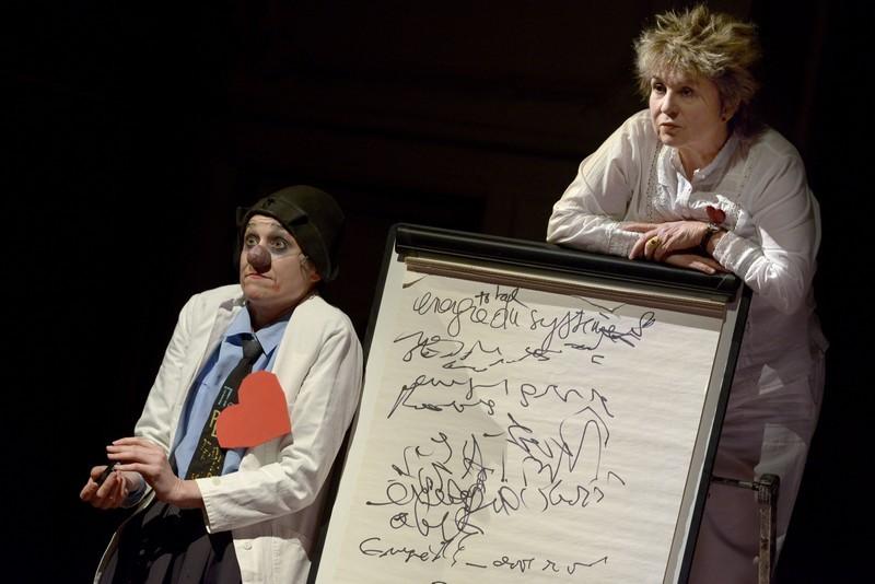 GRAND SYMPOSIUM TOUT SUR L AMOUR de et avec Meriem Menant et Catherine Dolto Lieu : Salle Gaveau Ville : Paris Le : 17 03 2014 © Pascal GELY