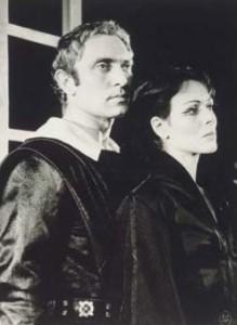 Catherine Sellers et Pierre Tabard dans Le Cid de Corneille au Théâtre de France-Odéon, le 4 juin 1963. BnF, Arts du spectacle