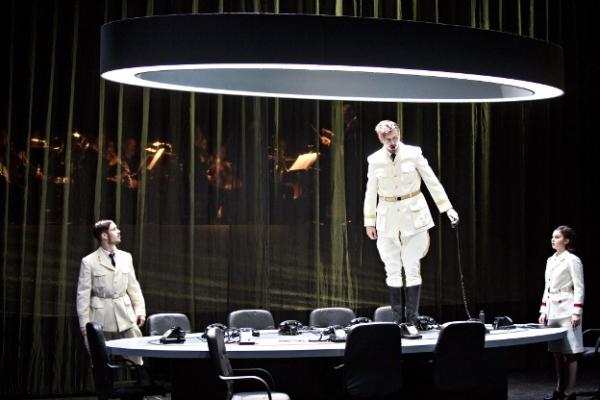 Trois chanteurs, membres du Studio de l'Opéra de Lyon, lauréats du Concours international Reine Élisabeth de Bruxelles