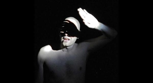 / critique / Loretta Strong de Copi Mise en scène par Gaël Leveugle